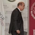 Jesús Murillo Káram, se va de la PGR.