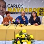 Carlos Navarro López, candidato del PRD a la gubernatura de Sonora, acompañado por otros candidatos perredistas, dio a los medios de comunicación un balance de su primer mes de campaña.