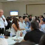 Javier Gándara Magaña, candidato panista al gobiernoi de Sonora, durante su presentación de los proyectos de inversión gubernamental que planea para Hermosillo.
