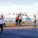 Claudia llegando a SLRC en la avioneta de Samuel Fraijo.