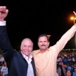 Javier Gándara acompañado del dirigente estatal del PRD, José Curiel.