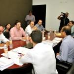 Reunión de equipos de transición en la Procuraduría de Justicia del Estado.