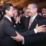 El presidente Enrique Peña Nieto y el diputado Manlio Fabio Beltrones.
