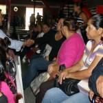 El alcalde de Agua Prieta, Héctor Rubalcava, entregó a vecinos de esa frontera apoyos del programa PROSPERA.