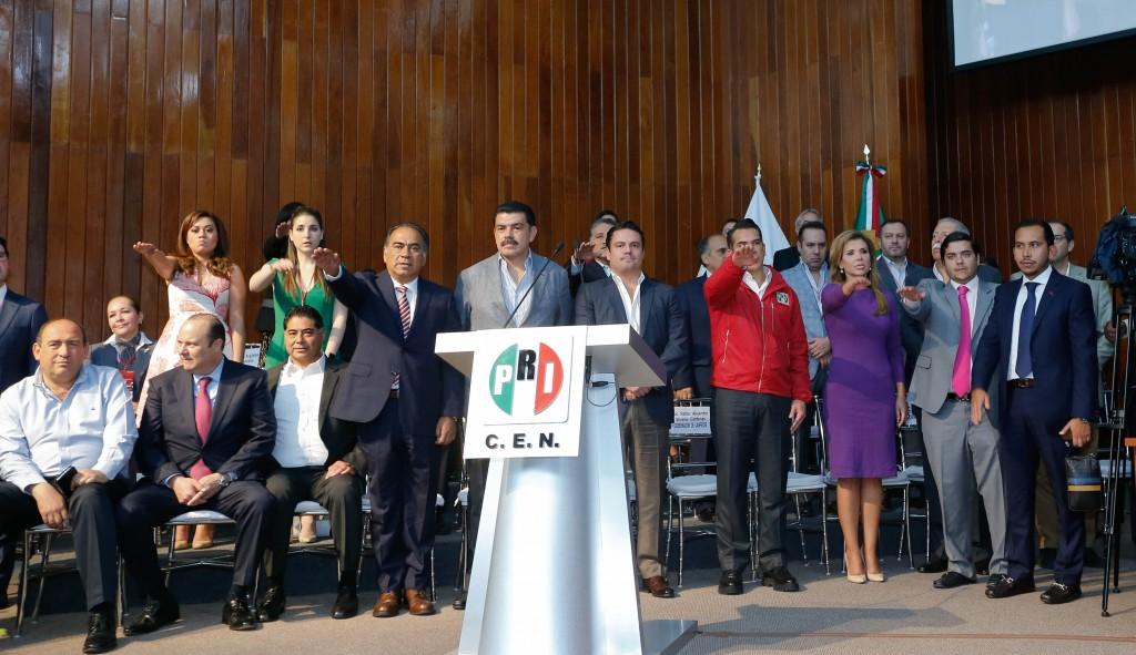Entre los nuevos integrantes del Consejo Político Nacional del PRI que rindieron protesta hoy, está la gobernadora de Sonora, Claudia Pavlovich Arellano.