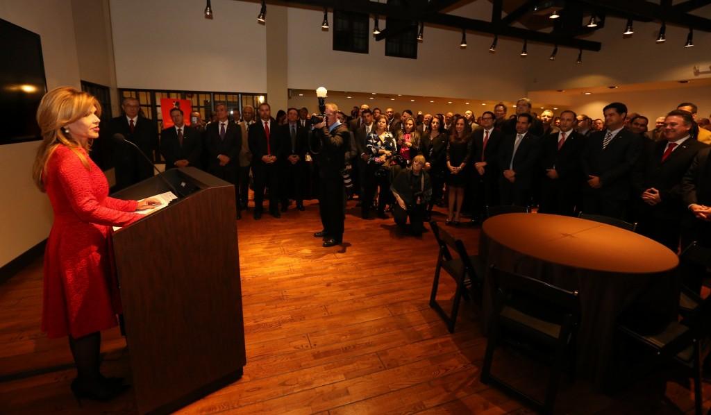 La gobernadora Claudia Pavlovich captada durante su intervención en la reunión de la Comisión Sonora-Arizona.