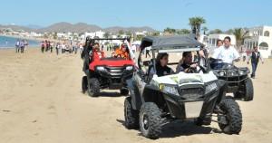 La Gobernadora y el Maloro recorren las playas de Bahía de Kino.