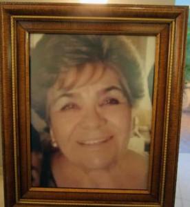 La señora Lichita fue asesinada por un individuo que se metió a robar a su casa.