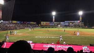 """El estadio """"Teodoro Mariscal"""" de Mazatlán lució lleno total con más de 15 mil aficionados."""